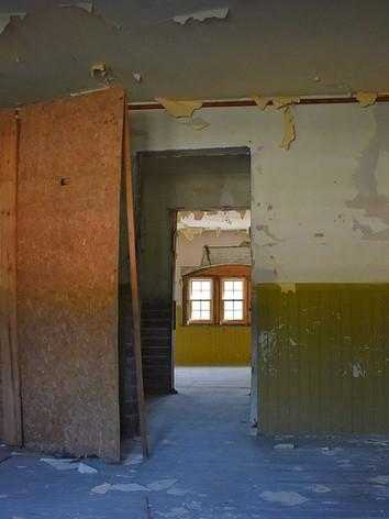 1280px-St._Anastasia's_School_(Fort_Pier