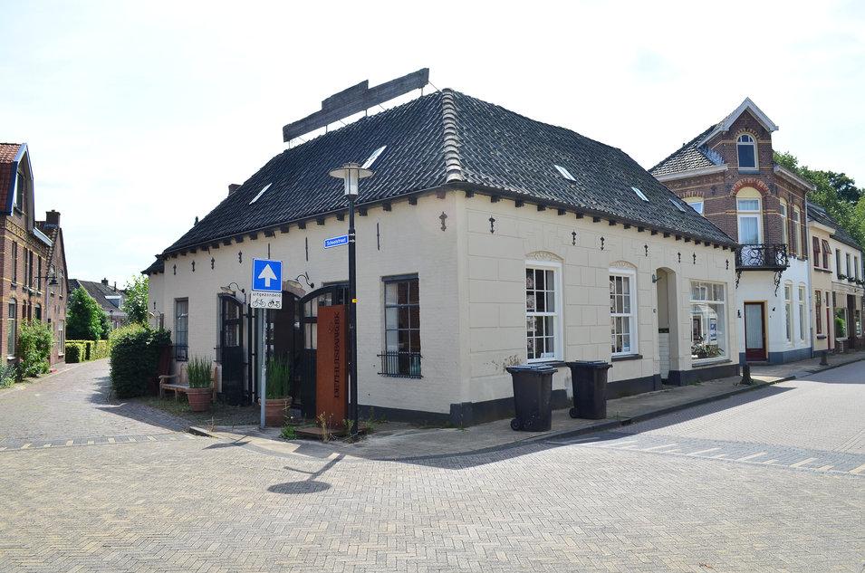 kruising Rijksstraatweg en Schoolstraat