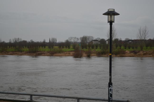 de IJssel vanaf de stad