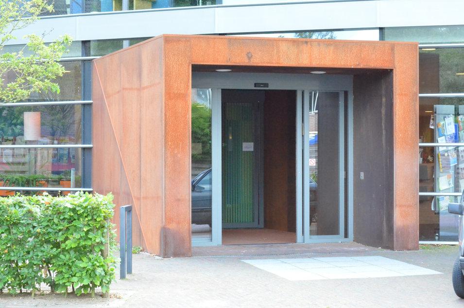 ingang Bibliotheek, Dreiumme