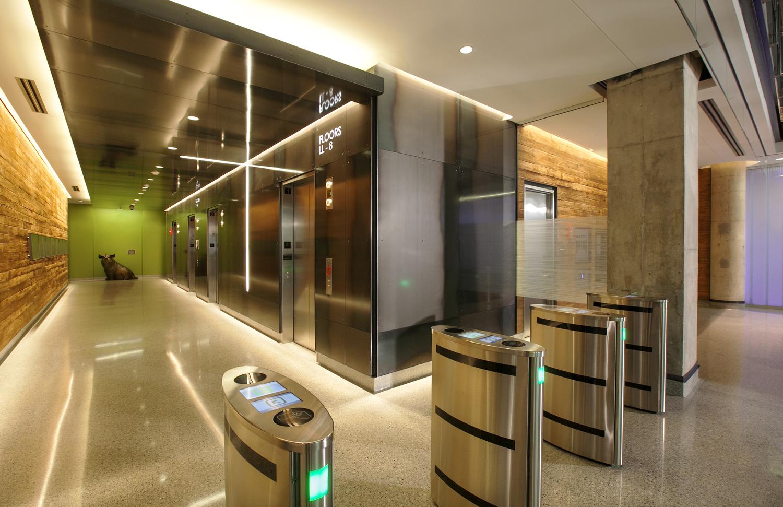 Hillshire+Brands+Headquarters_Lobby02_300dpi_ROOT