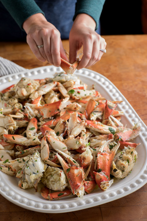 Cracked Marinated Crab Platter, New Year's Eve Family Dinner Mary's Pizza Shack Sonoma