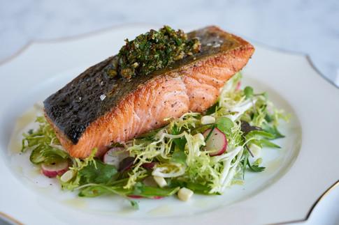 salmon_crispy_perfect_salad_lunch_Oaklan