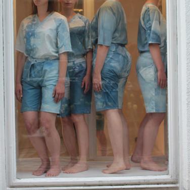 AIR AM I PEEL OFF #2  a micro performance series _hinterland galerie