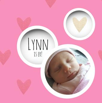 Lieve geboortekaart met foto cirkels en hartjes roze