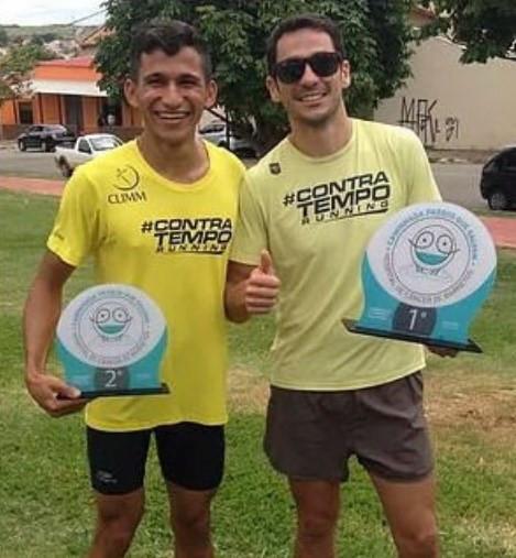 Contra Tempo Running/Climm - pódio 1º lugar Eduardo Costa e 2ºlugar Maikon Martins