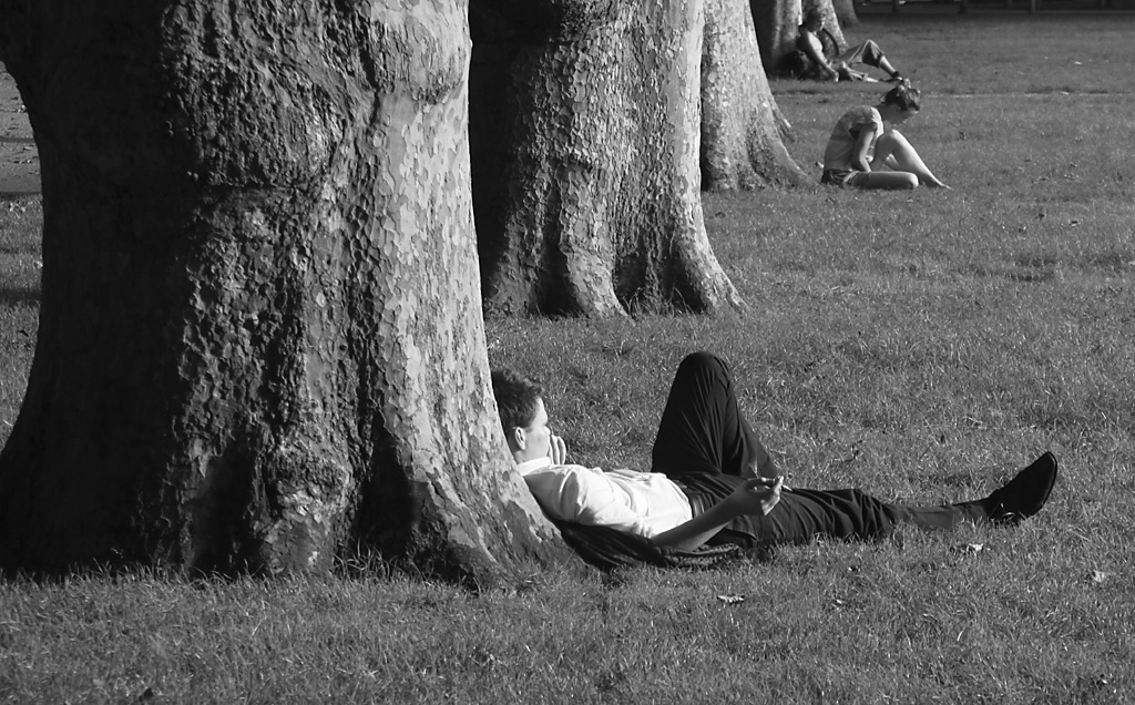 Queen's Square_Lazy Day's.jpg