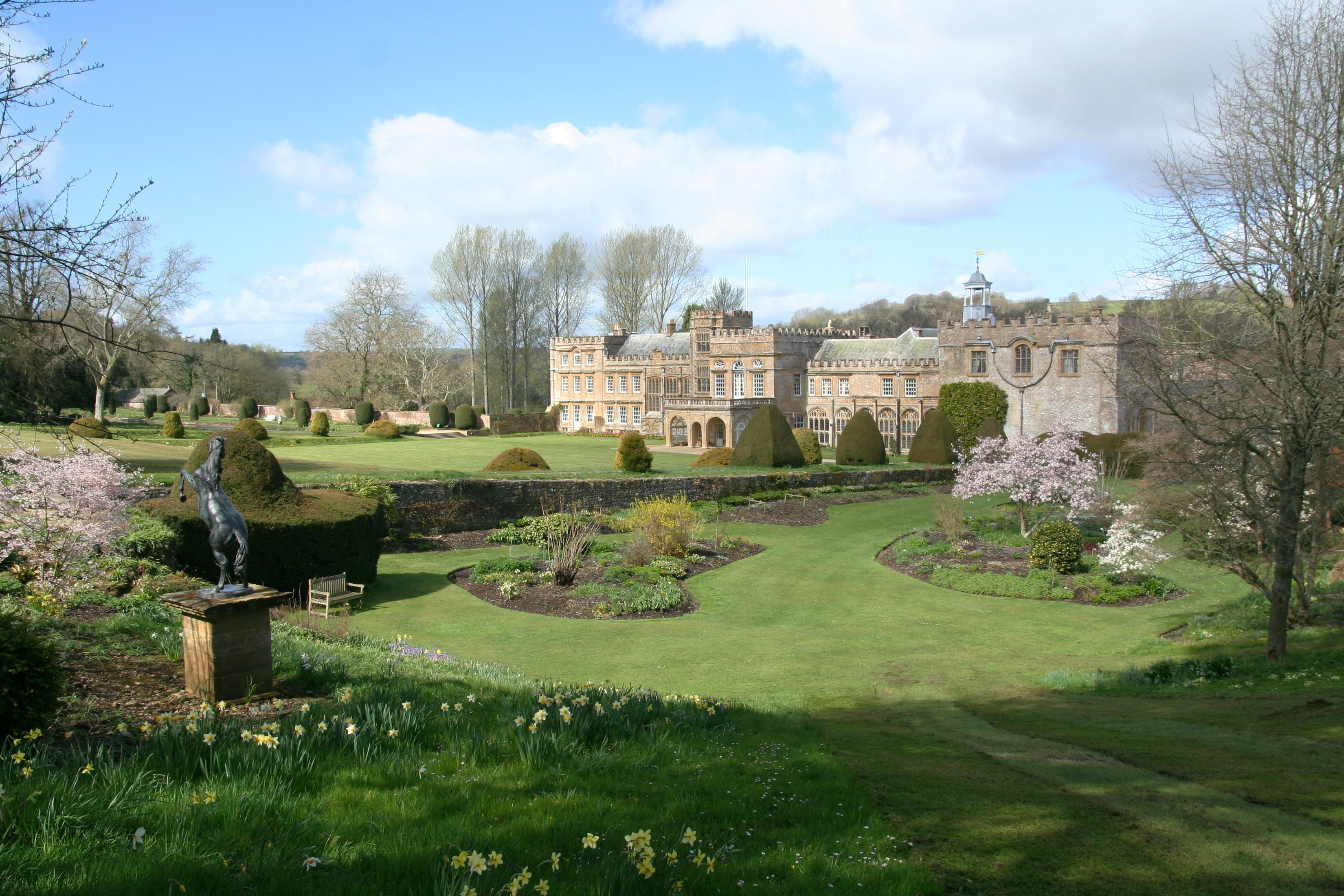glenForde Abbey.jpg
