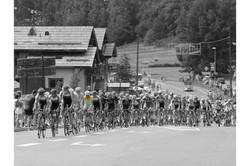 2014 Tour de France, yellow jersey, 16x12.jpg