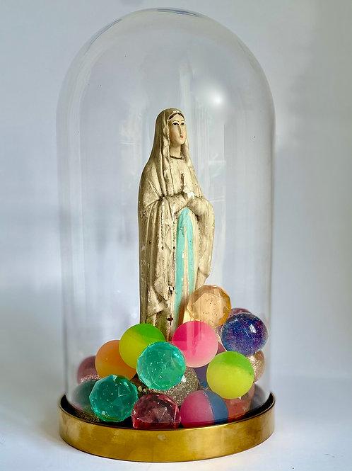 Vierge Marie et les balles rebondissantes