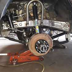 Straight Axle Conversion on a 2004 Toyota Tundra done at Flex Point Off Road in Redding California