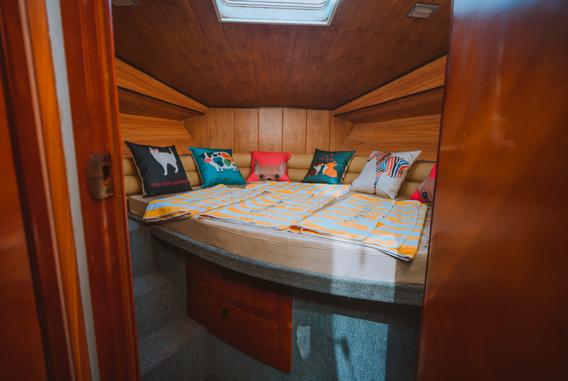 Yacht Rental Coron 6.png