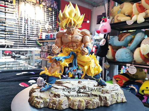 Dragon Ball Z Super Saiyan War Damage Goku GK Resin Statue