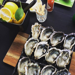 Aucklands most desirable oysters!_#blackshagoysters #oysters #summer #cityliving