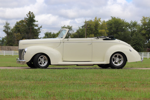 1940 Ford (14).JPG