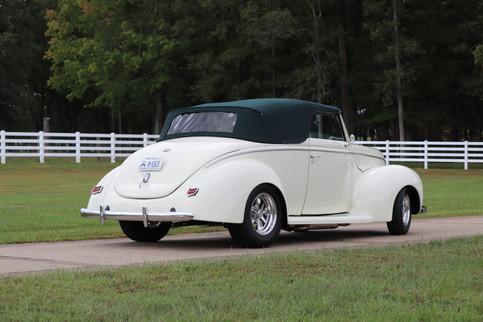 1940 Ford (29).JPG