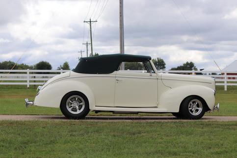 1940 Ford (27).JPG