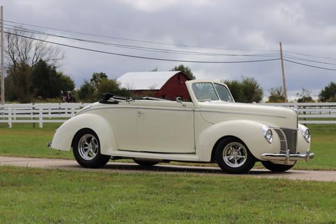 1940 Ford (3).JPG