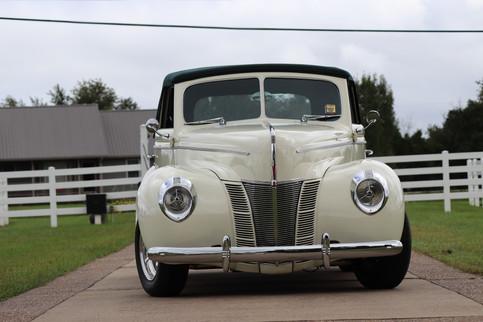 1940 Ford (37).JPG