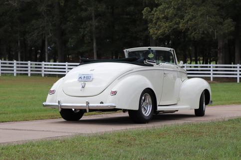 1940 Ford (8).JPG
