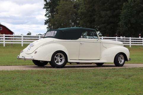 1940 Ford (28).JPG