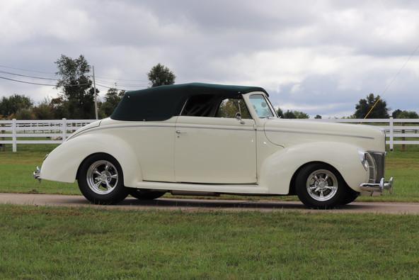 1940 Ford (26).JPG