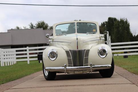 1940 Ford (16).JPG