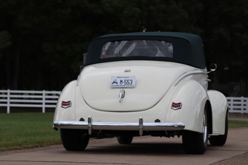 1940 Ford (30).JPG