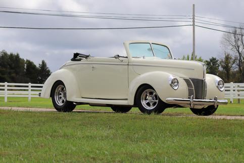 1940 Ford (1).JPG