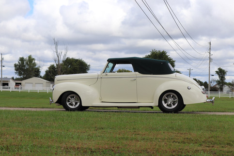 1940 Ford (34).JPG