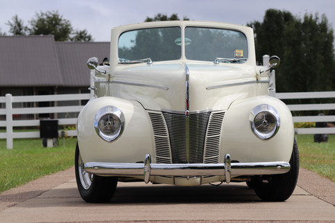 1940 Ford (2).JPG