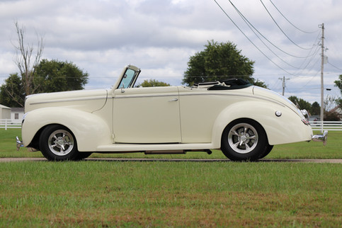 1940 Ford (13).JPG