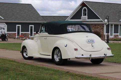 1940 Ford (32).JPG