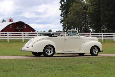 1940 Ford (6).JPG