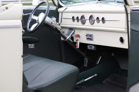1940 Ford (20).JPG