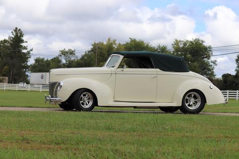 1940 Ford (35).JPG