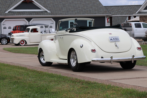 1940 Ford (10).JPG