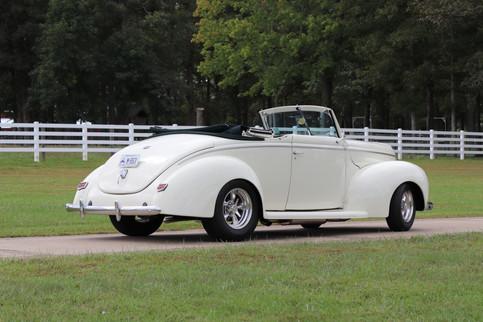 1940 Ford (7).JPG