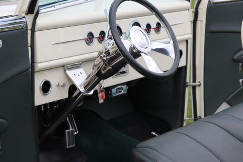 1940 Ford (22).JPG