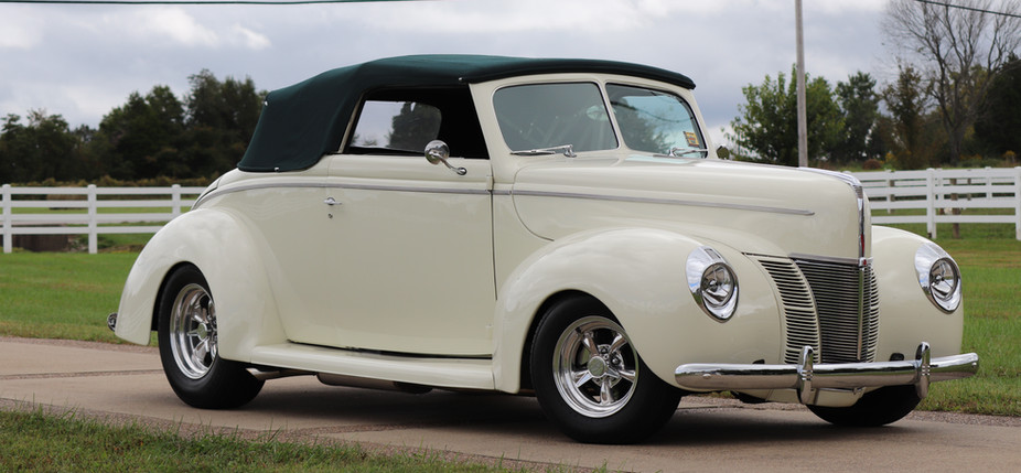 1940 Ford (25).JPG