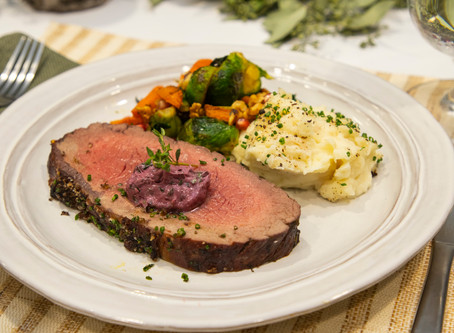 9 Tips To Elevate Your Holiday Meal