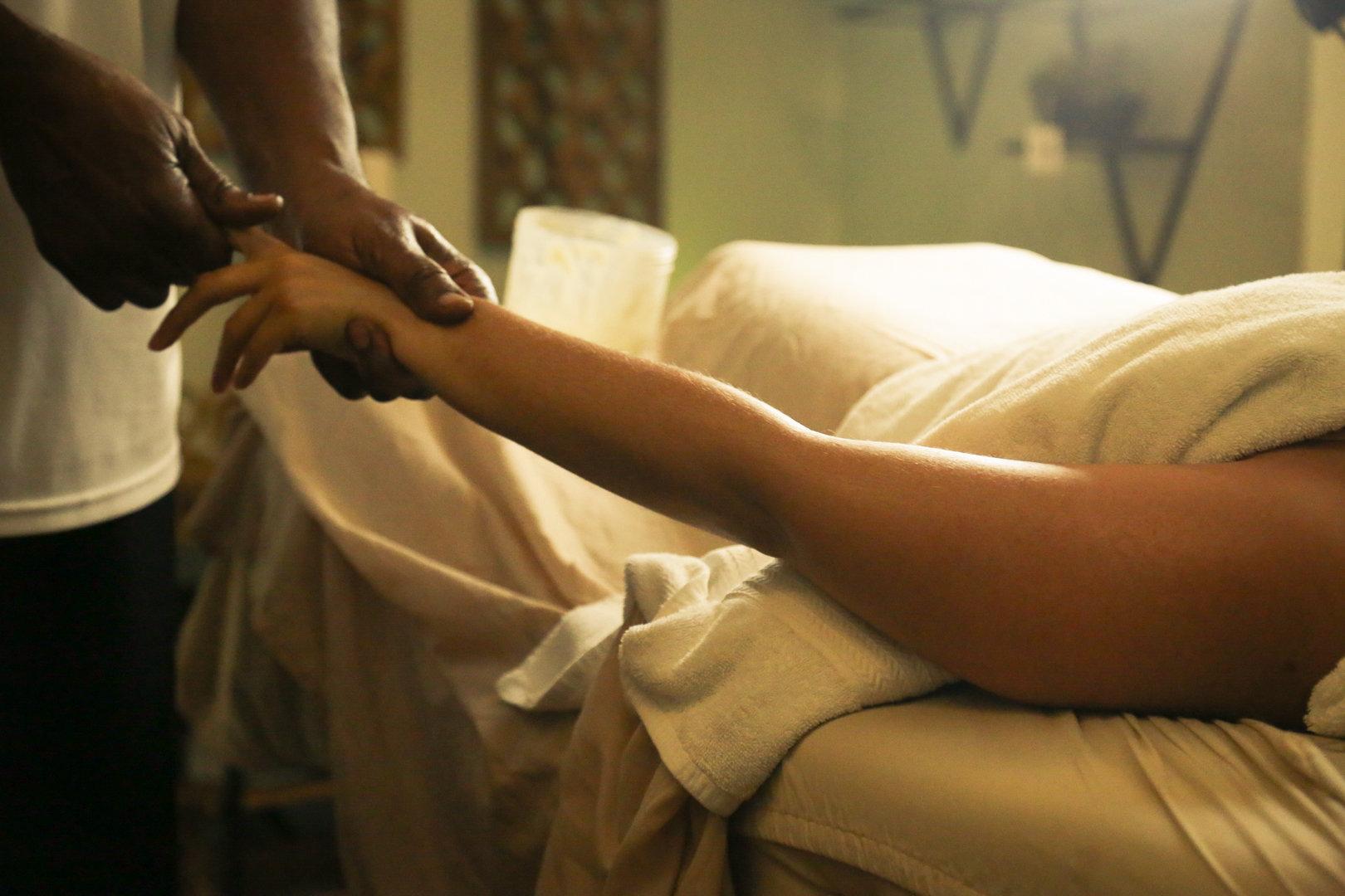 Couples Massage & Facial (Gold)