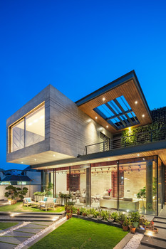 Cantilever House | Zero Energy Design Lab  Photo credits: Noughts and Crosses | Andre J. Fanthome