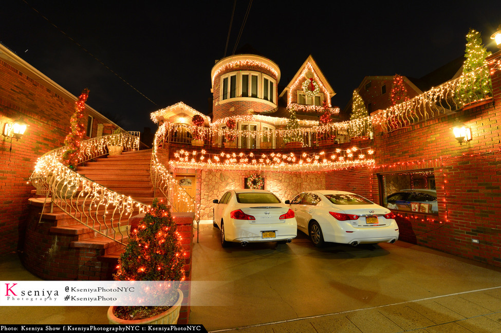 Professional Photo of my House with Christmass lights on