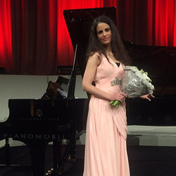 Alice will sing at the Gala _A Bel Canto