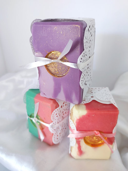 English Bathhouse FARMHOUSE Floral Luxe Soap