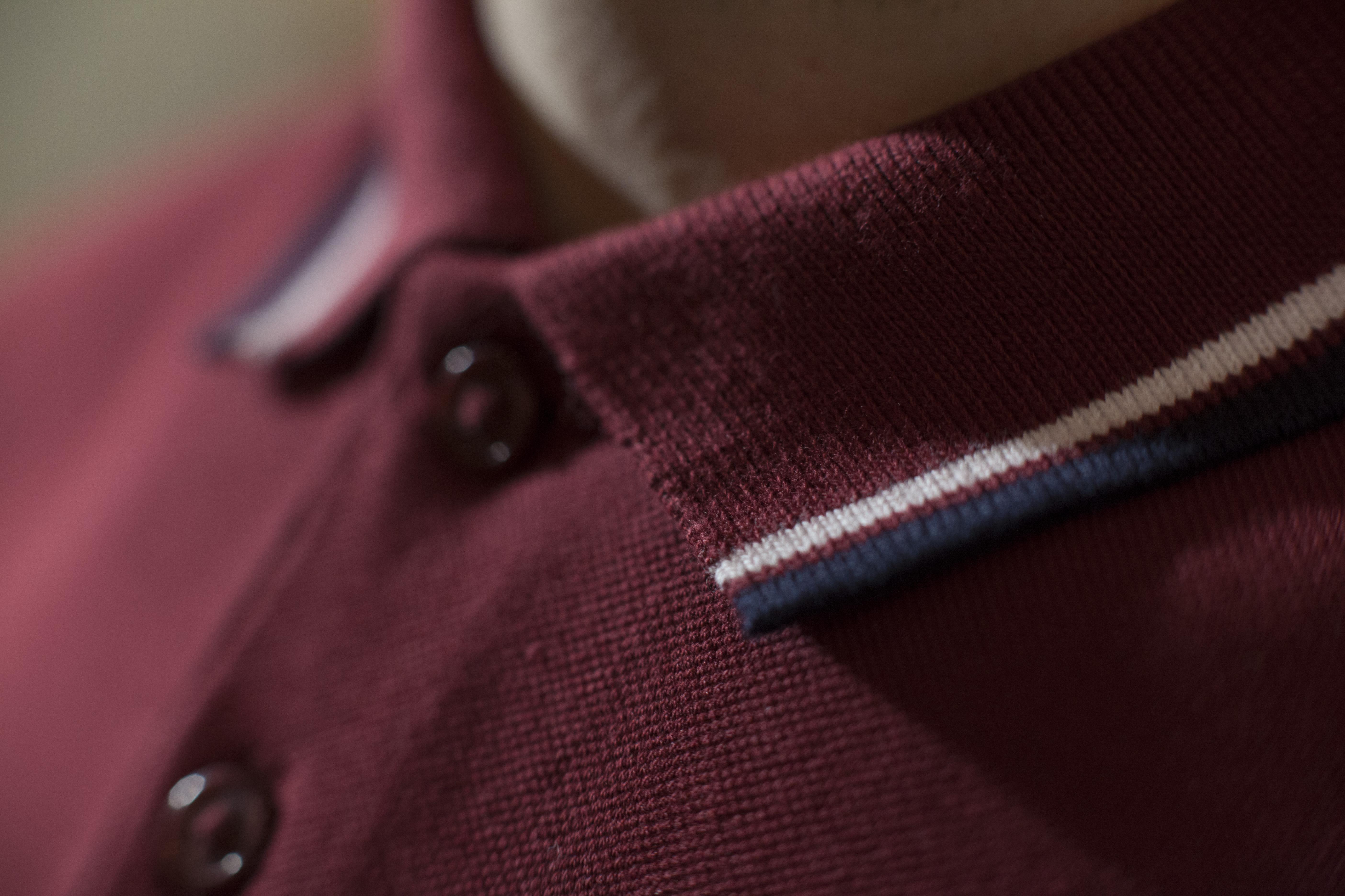 Polo collar detail