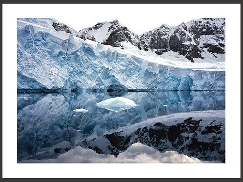 Antarctica ICESHELF Chlöbli