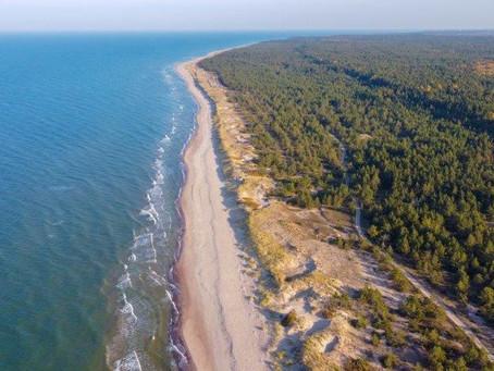 Latvija | Sientiniezis, Cesis, Riga, Liepaja, plaža in močvirje