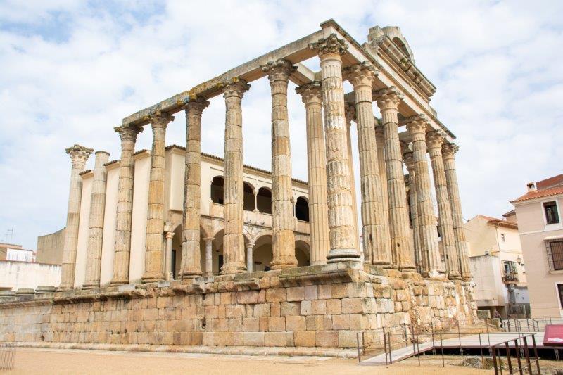 Dianin Tempelj Merida Potujoči brlog